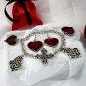 Элегантный браслет и серги с красными сердечками стильная женская бижутерия