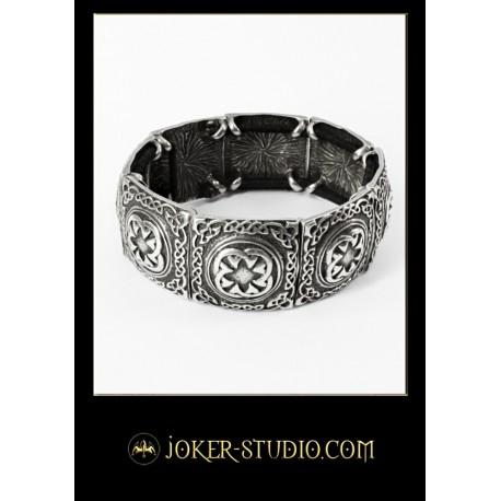 Стильный браслет с кольтским узором традиции имболк