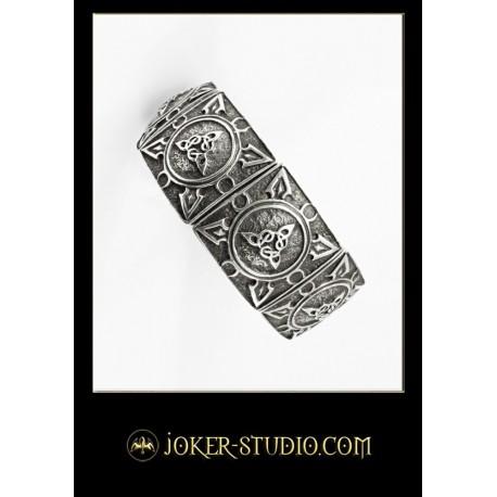 Оригинальный мужской браслет с кельтским узором триада