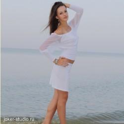 Комфортная женская одежда белого цвета для курорта