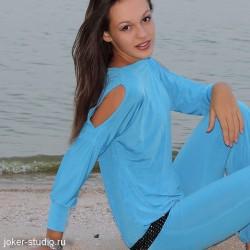 Красивый женский джемпер для комфортного отдыха