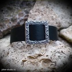 Женский кожаный браслет с ювелирной пряжкой