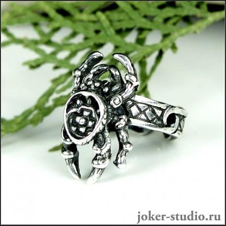 серебряное кольцо с пауком