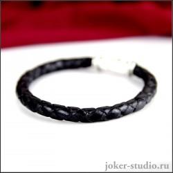 Тонкий кожаный браслет с плетением и ювелирным замком