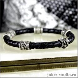 Кожаный браслет с черепами и кельтскими бусинами - подарок для мужчины
