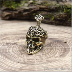 Подвеска с черепом и символом триады кельтское украшение с головой короля Конхобара