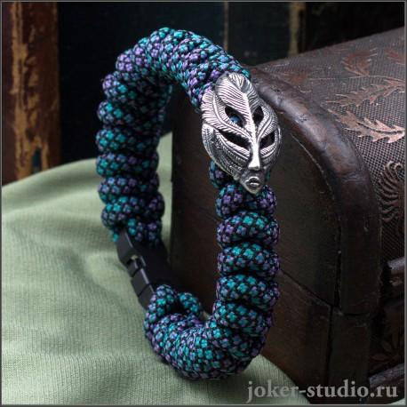 Женский оригинальный браслет с плетенеим из красочного паракрда с маской Пери