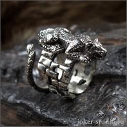 """Кольцо """"Пума"""" ювелирное дизайнерское украшение с кошкой на охоте"""