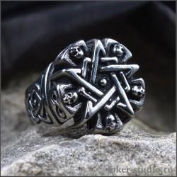 Готический перстень пентаграмма с черепами и кельтским узором