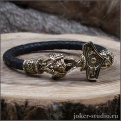 Мужской плетеный браслет из черной кожи с бронзовым Молотом Тора