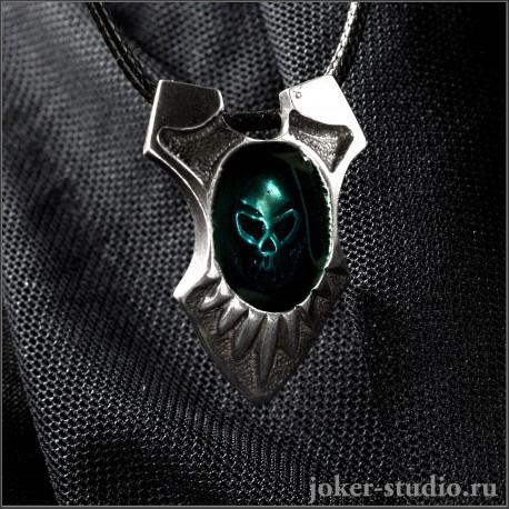 Готический кулон с черепом во мраке купить в рок магазине с доставкой