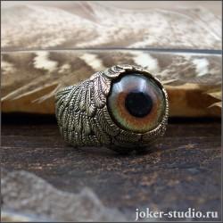 Кольцо в виде крыльев Ангела из золотой бронзы и глазом орла атрибутом солнечных богов