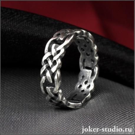 Тонкое кольцо с кельтским узором волшебных фей корриган