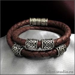 Мужской браслет из двойного кожаного шнура с шармами Сварога стильное украшение на каждый день