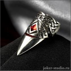 """Коготь кольцо с кельтским узором и красной эмалью """"Бран"""""""