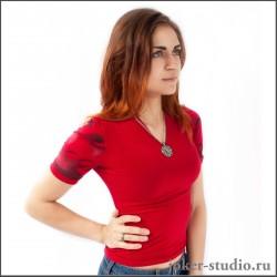 Комфортная женская футболка с рисунком татуировки
