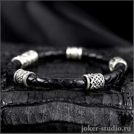 Кожаный браслет с символическими бусинами Сварога и кельтскими узорами