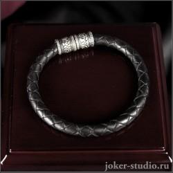 Плетеный браслет из черной кожи с ювелирным замком в кельтском стиле