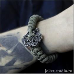 Подарок другу браслет из паракорда с кельтским украшением Иггдрасиль