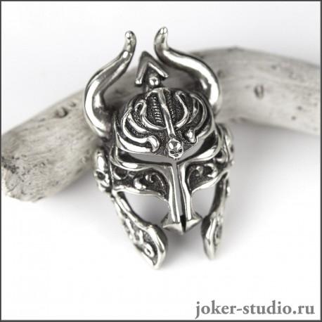 Мужской кулон шлем с рогами и черепами доспех Темного рыцаря в стиле фэнтези